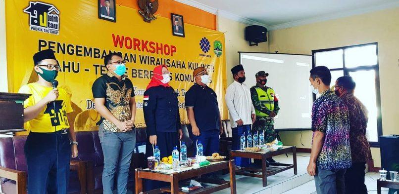 Dr. Dewi Turgarini., S.S., MM.Par, Ketua Program Studi Manajemen Industri Katering, Menjadi Narasumber Workshop Pengembangan Wirausaha Kuliner Berbahan Baku Tahu Tempe Berbasis Komunitas di Desa Cisambeng pada Sabtu, 26 Desember 2020